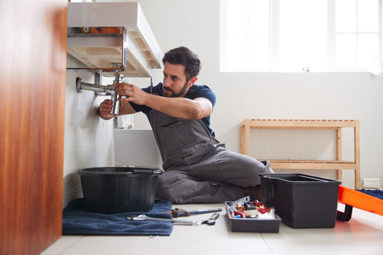 4 Things Fix and Flippers Should Know About Plumbing Damage